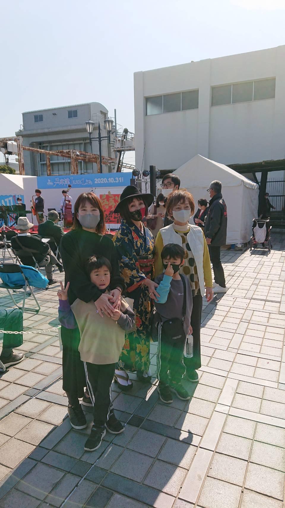 神戸から、秋晴れの下で「兵庫津Jazz Live」_a0098174_23374590.jpg