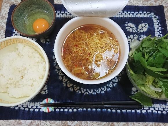 11/2 西友・みなさまのお墨付きもっちりノンフライ麺にんにく醤油、卵かけご飯_b0042308_19573765.jpg