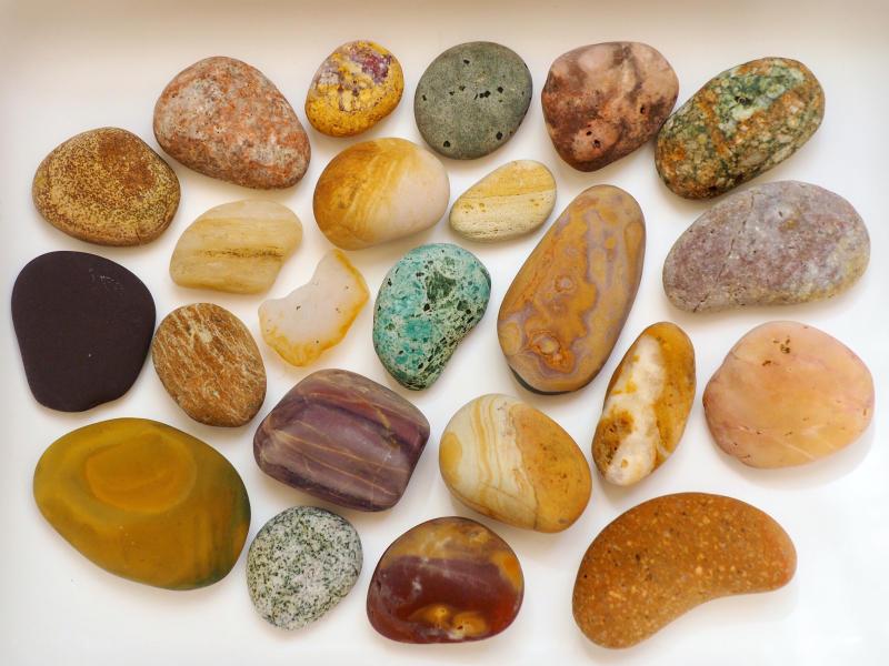 【海で拾った石】 10月の石拾い_f0169147_16411223.jpg