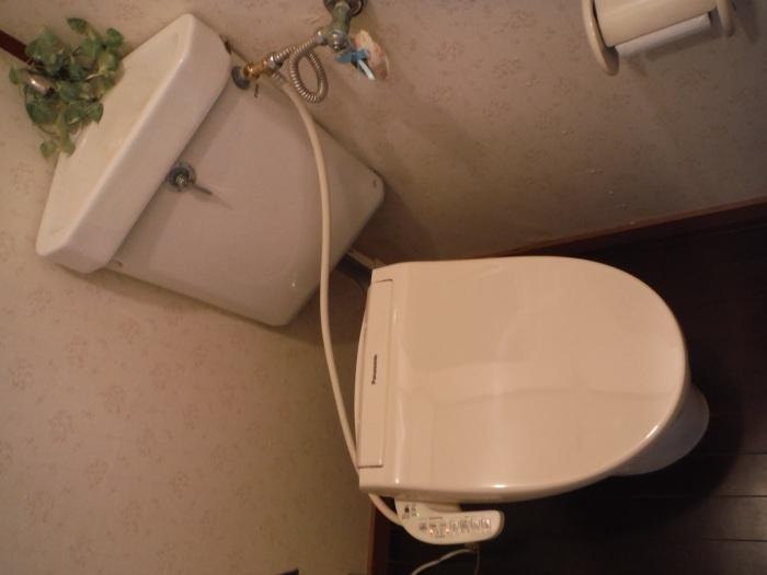 暖房温水洗浄便座取替 ~ 壊れてしまいました。_d0165368_07122238.jpg
