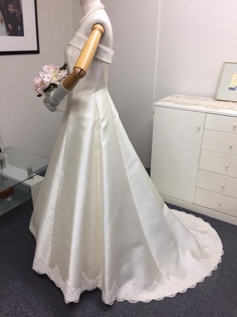 ウェディング ドレスの在庫セール_a0349533_21342102.jpg