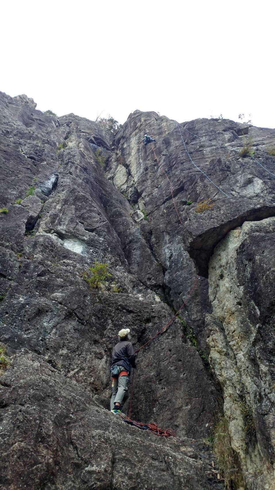 不動岩クライミング 東壁と東稜_b0227552_21480520.jpg