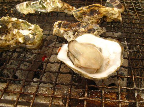 今シーズン初の牡蠣小屋は「マルハチ」さんへ_b0170184_21594818.jpg