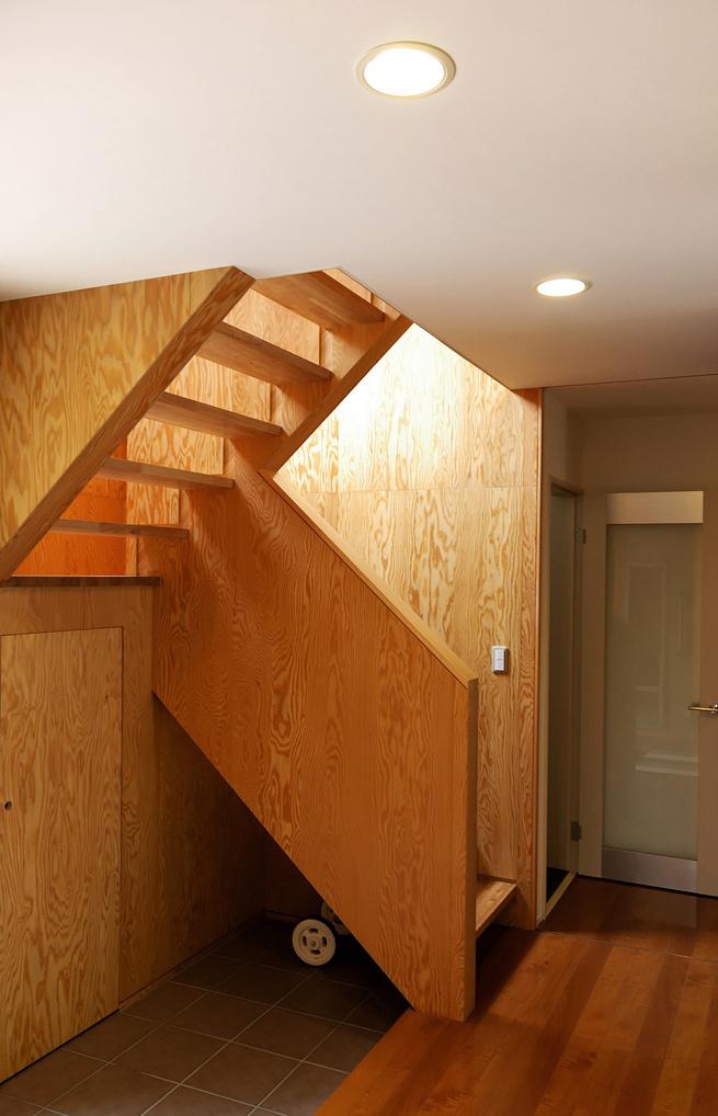 階段ホールのピクチャーウインドウ!_c0148401_16441168.jpg