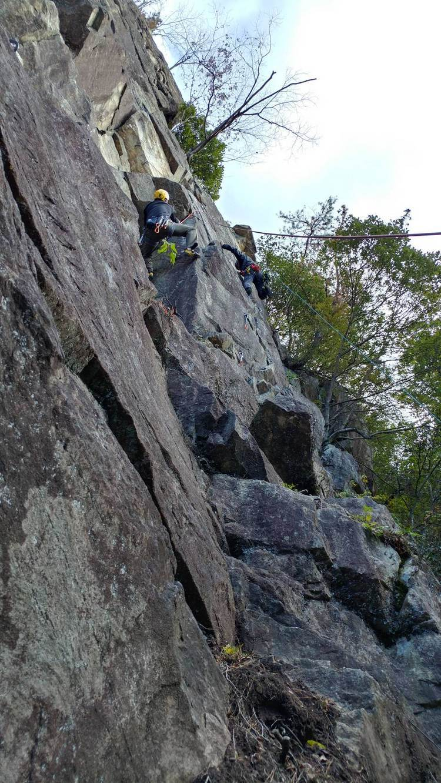 東高座岩クライミング_b0227552_21413565.jpg