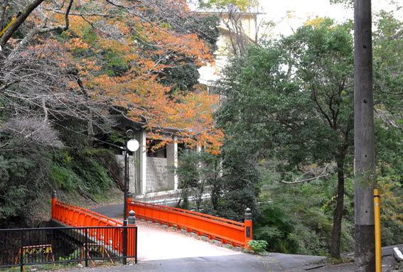 秋の湯香里橋_b0145257_18541733.jpg