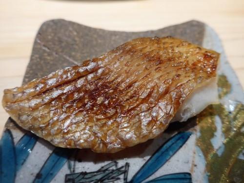渋谷「熟成鮨 万」へ行く。_f0232060_11394997.jpg