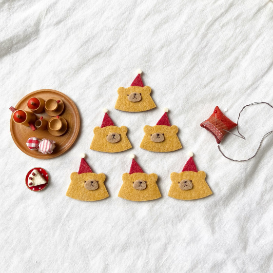 フェルトでクリスマス準備。_a0340921_18093904.jpeg