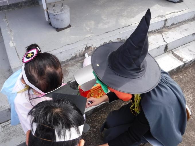 ハロウィンパーティーをしました!!_f0227821_15374565.jpg