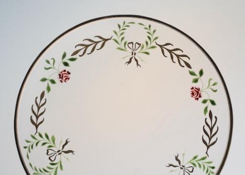 薔薇、月桂樹、リボン 金彩エナメル小皿_c0108595_23502376.jpeg