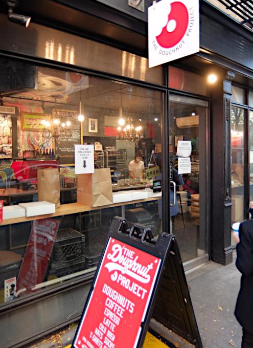 今、ニューヨークで最注目のドーナツ屋さん、 The Doughnut Project_b0007805_23133746.jpg