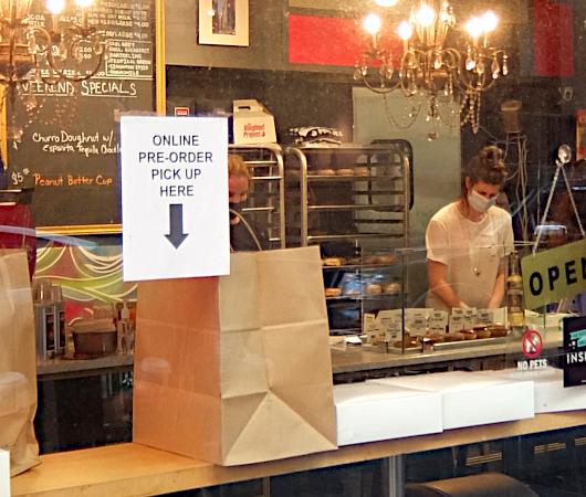 今、ニューヨークで最注目のドーナツ屋さん、 The Doughnut Project_b0007805_23135062.jpg