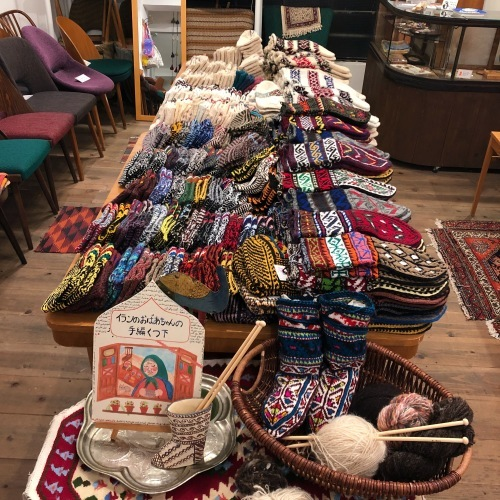 イランのおばあちゃんの手編み靴下展vol.4_d0156336_23264479.jpg