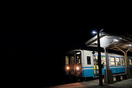 駅を目指して愛媛行き:JR四国 下灘駅(後編)_f0037227_21522558.jpg