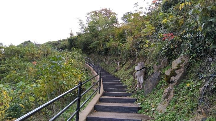 久々の月山富田城は絶景スポットになっていた_c0016259_21210586.jpg