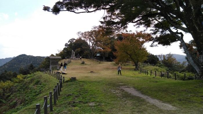 久々の月山富田城は絶景スポットになっていた_c0016259_21232468.jpg