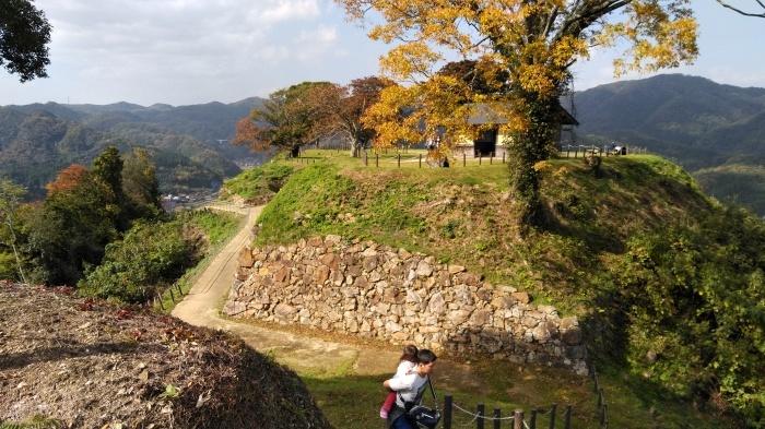 久々の月山富田城は絶景スポットになっていた_c0016259_21411019.jpg