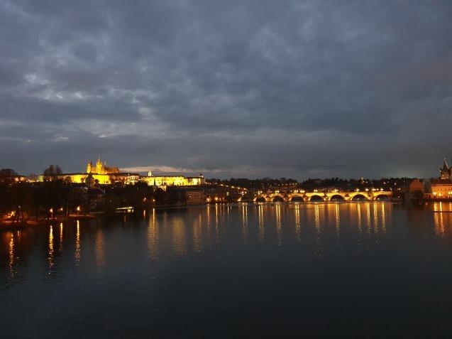 プラハ夜景であなたは何級?_f0401091_06521589.jpg
