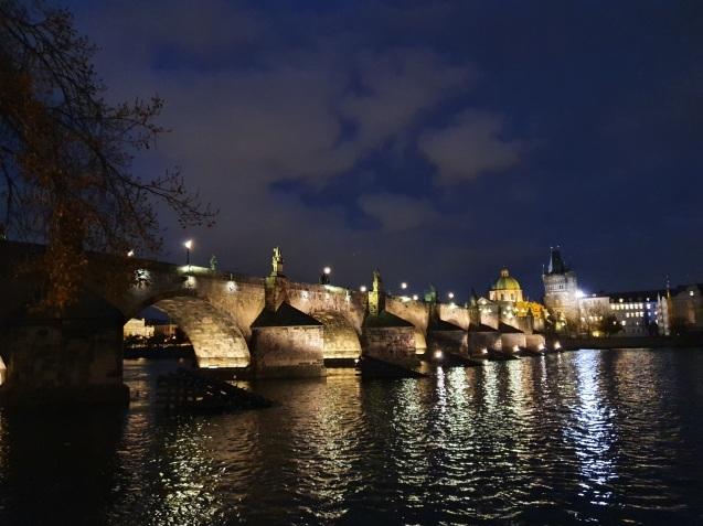 プラハ夜景であなたは何級?_f0401091_02415492.jpg