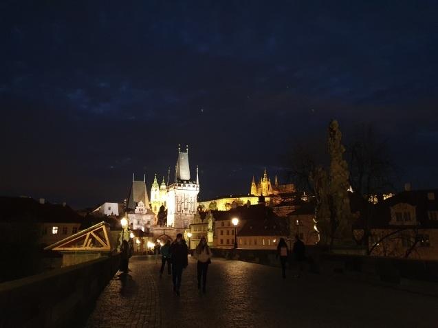 プラハ夜景であなたは何級?_f0401091_02430867.jpg