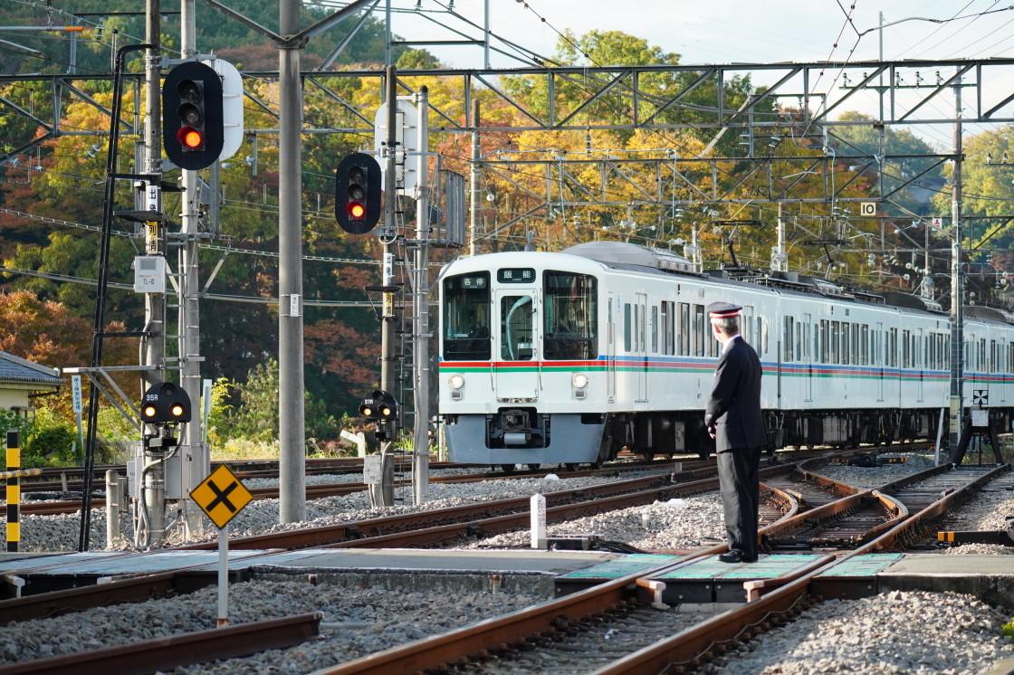 西武秩父線横瀬駅と車両基地まつりの展示車両_a0385725_10204818.jpg