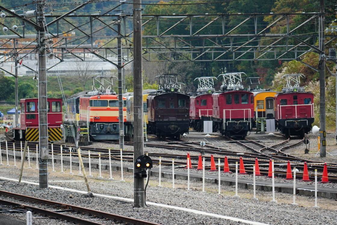 西武秩父線横瀬駅と車両基地まつりの展示車両_a0385725_10210843.jpg