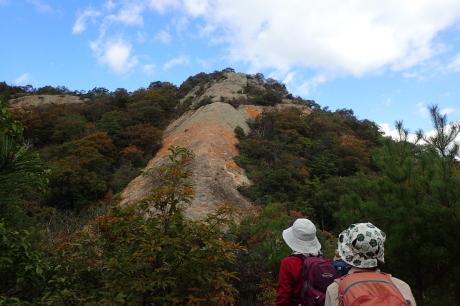 スリル満点 小野アルプス 『紅山』岩登り_c0218841_14363952.jpg