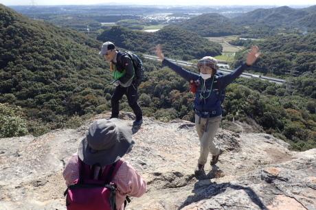 スリル満点 小野アルプス 『紅山』岩登り_c0218841_14390786.jpg