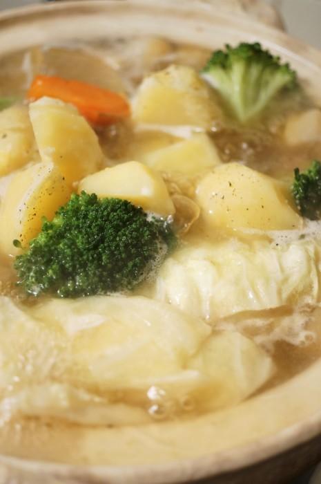 ■【ポトフ】柔らか鶏胸肉・ウインナーに菜園採り蕪・大根・ジャガイモも入れました^0^_b0033423_20414489.jpg