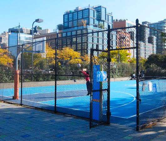 無料で使えるテニスやバスケのコート@ハドソン・リバー・パーク_b0007805_05191745.jpg