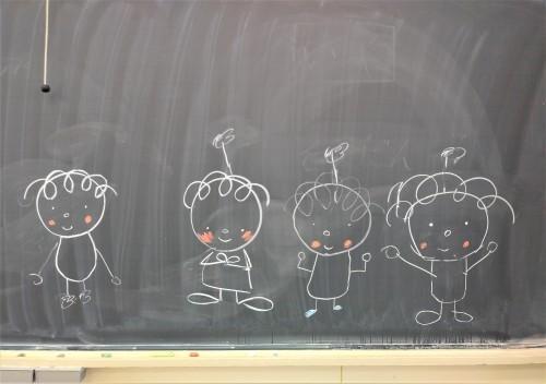 子どもたちが描いてくれたライトちゃんたちの絵。ワークショップ後。私たちにとってはギフトでした。_d0204305_16290272.jpg