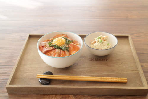 サーモン丼_f0220354_12525705.jpeg