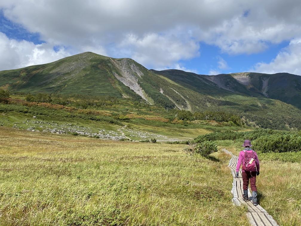 """2020年9月 『日本一早い紅葉、大雪山緑岳、沼巡り』 September 2020 \""""The Earliest Autumn in Japan -Mount Taisetsu-\""""_c0219616_11444244.jpg"""