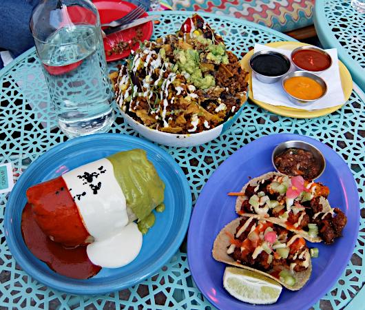 NYで注目のヴィーガン・メキシカン(Vegan Mexican)、ジャジャジャ・プランタス・メキシカーナ(Jajaja Plantas Mexicana)_b0007805_00570073.jpg