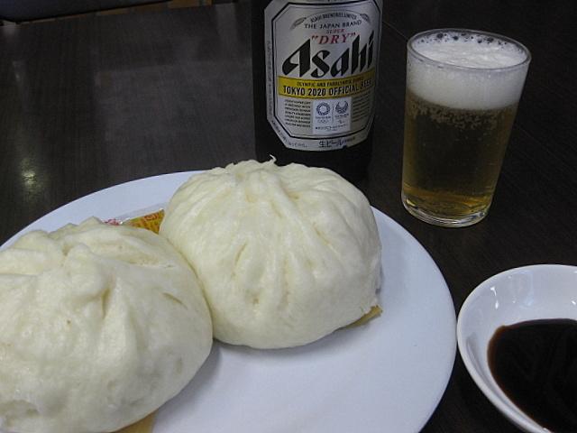 「四興楼」の豚まんから、ジャズ喫茶へ @神戸・元町_a0048918_07255512.jpg