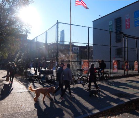 いかにもニューヨークらしいコロナ禍の経済対策『アート・オン・ザ・アベニューNYC』(Art On The Avenue NYC)_b0007805_03192828.jpg