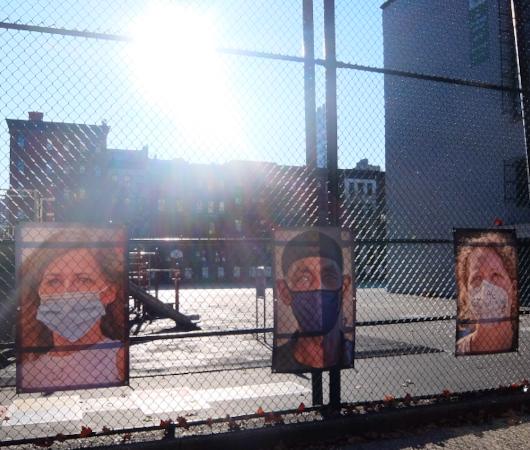 いかにもニューヨークらしいコロナ禍の経済対策『アート・オン・ザ・アベニューNYC』(Art On The Avenue NYC)_b0007805_04045031.jpg