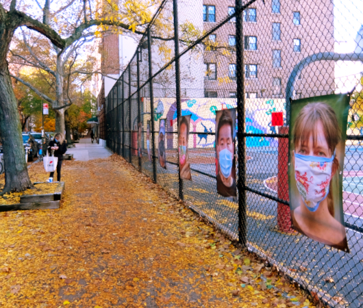 いかにもニューヨークらしいコロナ禍の経済対策『アート・オン・ザ・アベニューNYC』(Art On The Avenue NYC)_b0007805_04155789.jpg