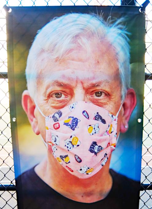 いかにもニューヨークらしいコロナ禍の経済対策『アート・オン・ザ・アベニューNYC』(Art On The Avenue NYC)_b0007805_04171713.jpg