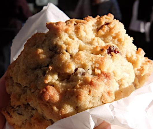 コロナ禍でも飛躍するNY No1のクッキー屋さん『ルヴァン・ベーカリー』(Levain Bakery)_b0007805_02012146.jpg