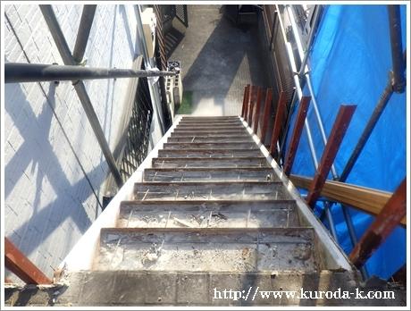 本日から外階段の解体工事スタートです! あきる野市I様邸_c0322812_19144419.jpg