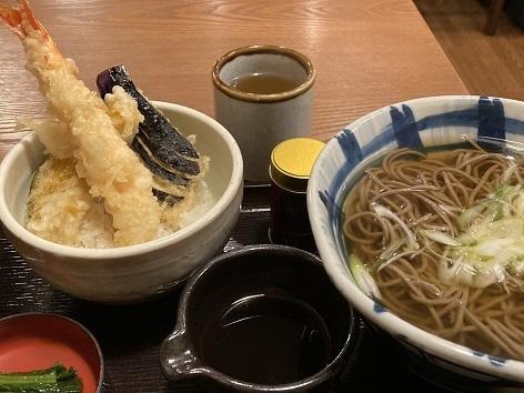 「そじ坊」の大海老天丼定食 @西宮北口_a0048918_06401808.jpg