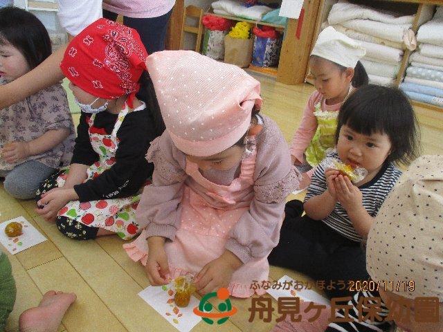 【にじ組 (りす組)】 「かぼちゃの茶巾しぼり をつくったよ」②_f0367159_18204447.jpg