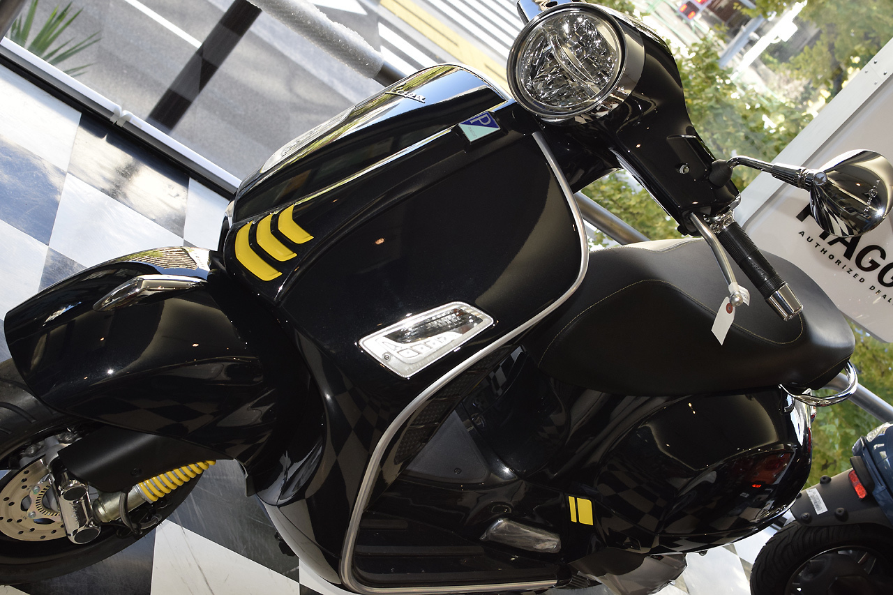 ベスパ GTS Super Tech 300 バルカンブラック_d0099181_19010932.jpg