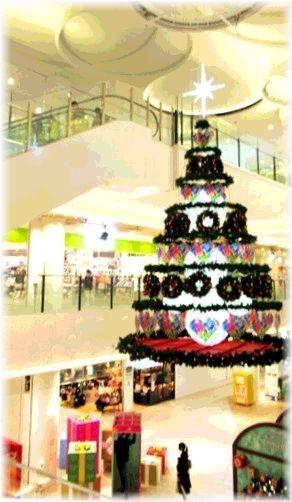 ショッピングセンターはクリスマスモード_d0387712_21171779.jpg