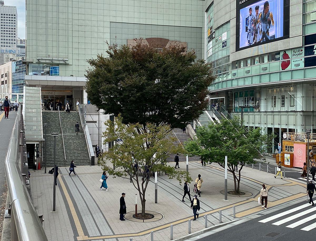 新宿駅南口 40年の今昔_b0058021_16380087.jpg