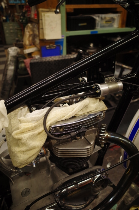 1963 TRIUMPH T120 配線引き直し作業完了、エンジン始動_a0248662_08111239.jpg