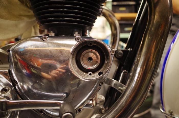 1963 TRIUMPH T120 配線引き直し作業完了、エンジン始動_a0248662_08120887.jpg