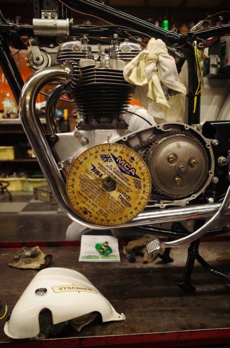 1963 TRIUMPH T120 配線引き直し作業完了、エンジン始動_a0248662_08121997.jpg