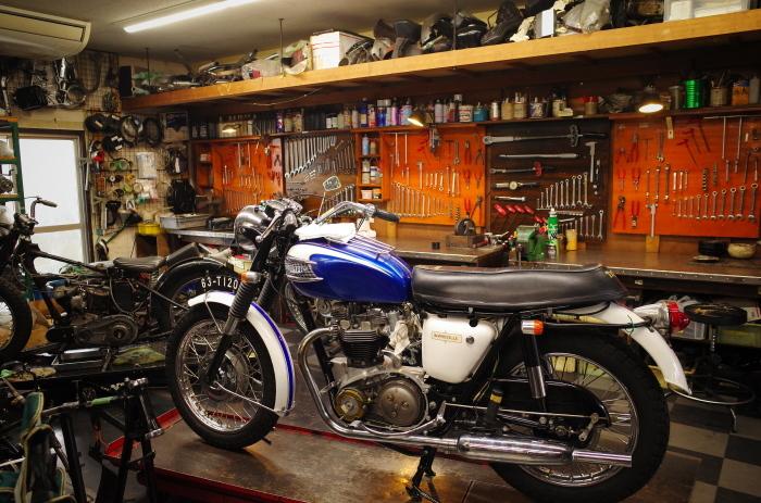 1963 TRIUMPH T120 配線引き直し作業完了、エンジン始動_a0248662_08134176.jpg